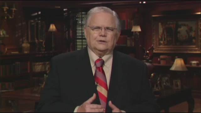Dr. John Hagee addresses the SAGU community about the new John and Diana Hagee Communication Center.